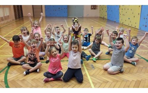 Se Sokolíkem Pepíkem by chtěly cvičit také dvouleté děti